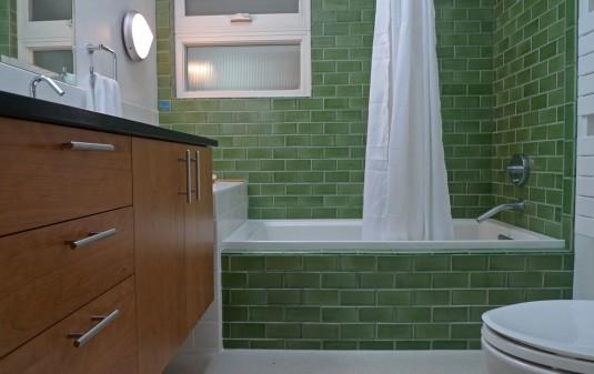 Broadview Contemporary bath